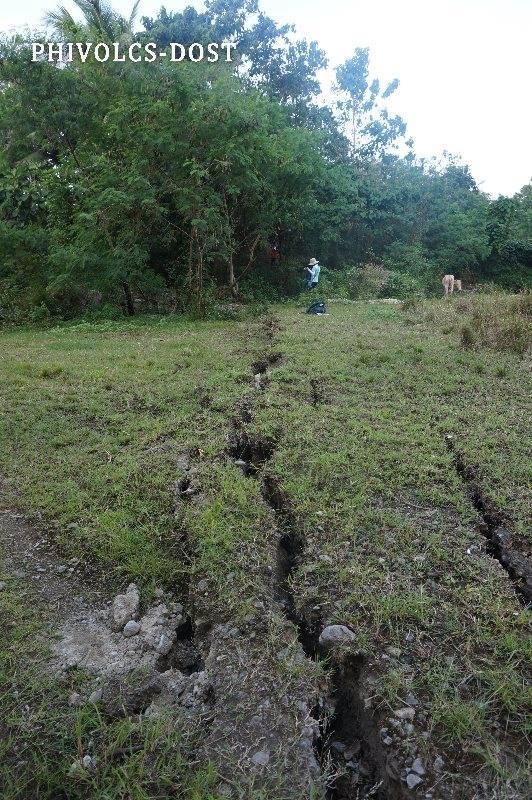 Μεγάλες καταβόθρες και τεράστιες ρωγμές προβληματίζουν τους κατοίκους σε όλο τον πλανήτη. - Εικόνα3