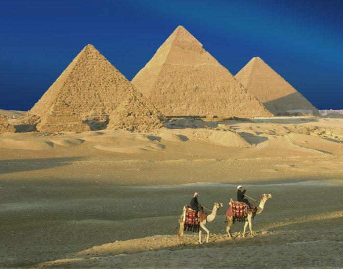 Η μεγάλη πυραμίδα της Γκίζας βρίσκεται ακριβώς στο κέντρο της γης αποκρύβοντας χιλιάδες μυστικά για το ανθρώπινο γένος - Εικόνα0