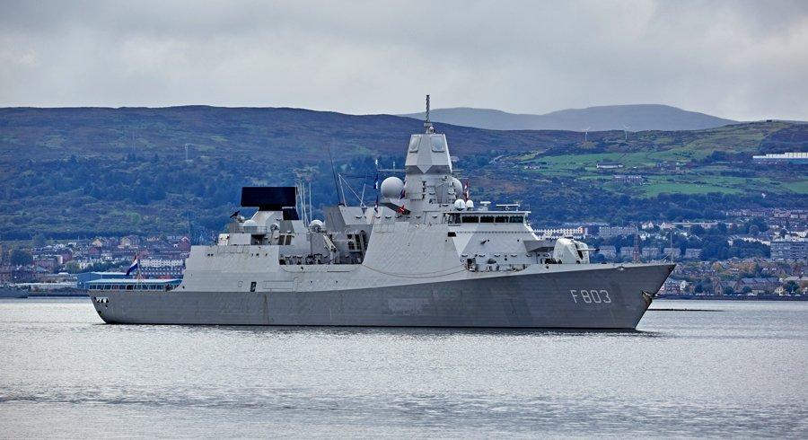 Το ΝΑΤΟ ετοιμάζεται για πόλεμο: USS George H.W. Bush, HMS Queen Elizabeth και 35 πολεμικά πλοία στη μεγαλύτερη ναυτική άσκηση εναντίον της Ρωσίας - Εικόνα6