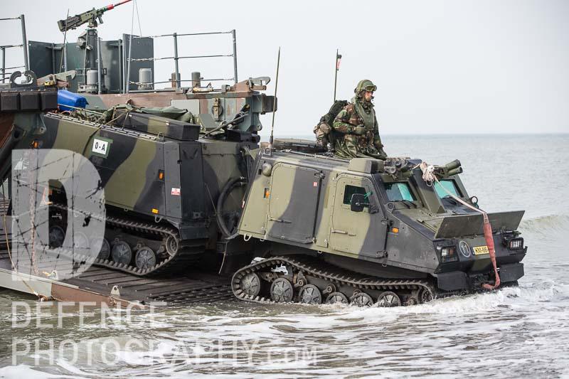 Το ΝΑΤΟ ετοιμάζεται για πόλεμο: USS George H.W. Bush, HMS Queen Elizabeth και 35 πολεμικά πλοία στη μεγαλύτερη ναυτική άσκηση εναντίον της Ρωσίας - Εικόνα7