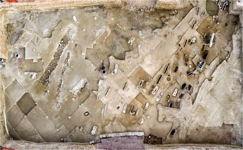 Η ομαδική ταφή του Φαλήρου και ο «Άνθρωπος των Αντικυθήρων» στις κορυφαίες ανακαλύψεις του 2016 - Εικόνα 1