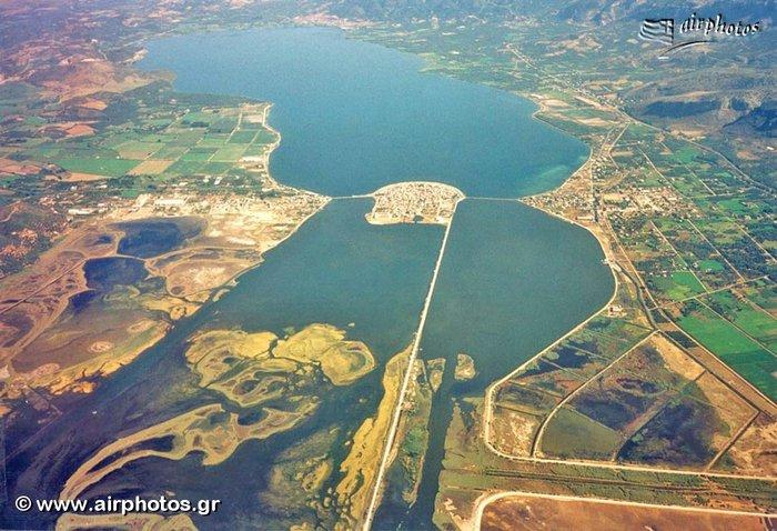 Ομορφιά βγαλμένη από καρτ ποστάλ: Αυτή είναι η μικρή Βενετία της Ελλάδας - Εικόνα4
