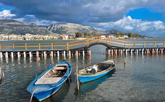 Ομορφιά βγαλμένη από καρτ ποστάλ: Αυτή είναι η μικρή Βενετία της Ελλάδας - Εικόνα5