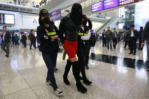 Παγκόσμιος σάλος: Ελληνίδα μοντέλο συνελήφθη με μεγάλες ποσότητες κοκαΐνης στην Κίνα – Ποια είναι; - Εικόνα2