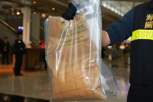 Παγκόσμιος σάλος: Ελληνίδα μοντέλο συνελήφθη με μεγάλες ποσότητες κοκαΐνης στην Κίνα – Ποια είναι; - Εικόνα3