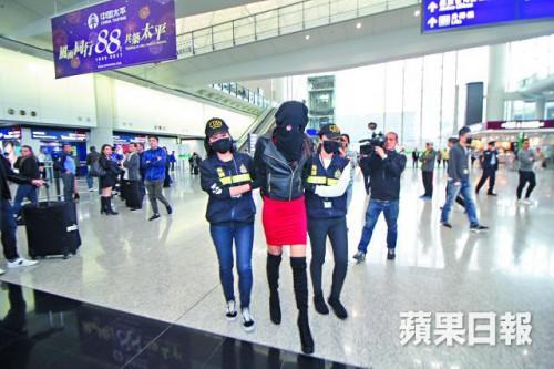 Παγκόσμιος σάλος: Ελληνίδα μοντέλο συνελήφθη με μεγάλες ποσότητες κοκαΐνης στην Κίνα – Ποια είναι; - Εικόνα4