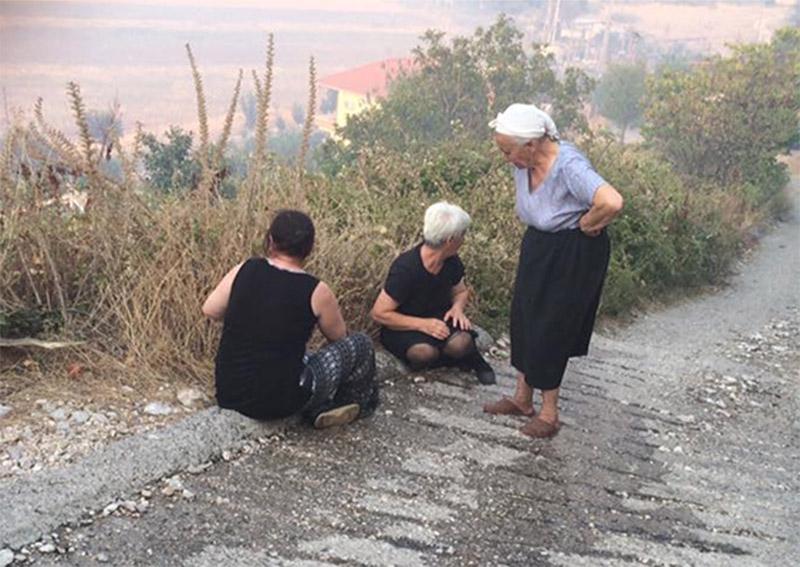 Πέρασαν στην Ελλάδα οι φωτιές από την Αλβανία - Εικόνα 2