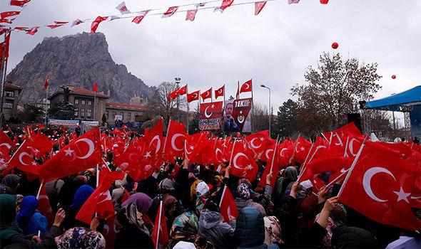 Πυρηνικά όπλα στην Τουρκία; Ο Ιμάμης στο πλευρό του Ερντογάν ζητά πυρηνικά όπλα για να αντιμετωπίσει τη Δύση! - Εικόνα1
