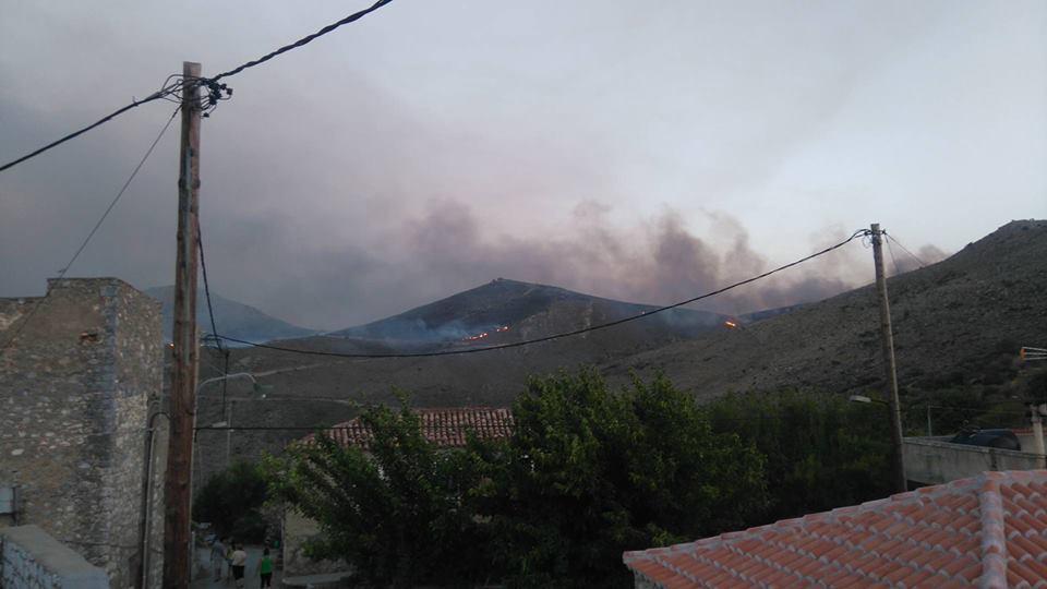 Σε πύρινο κλοιό η ανατολική Μάνη: Κάηκαν σπίτια σε χωριά - Εικόνα 2