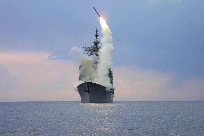 O πλανήτης «κρατάει την ανάσα του»: To «Σχέδιο B» θα εφαρμόσουν οι Αμερικανοί με «καταιγίδα» πυραύλων Tomahawk κατά συριακών αεροπορικών βάσεων - Εικόνα0