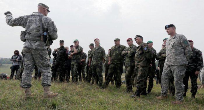Επί ποδός πολέμου: Επιστράτευση Ρωσόφωνων Γερμανών για τα επιθετικά σχέδια του ΝΑΤΟ – Τι ρόλο αναλαμβάνουν - Εικόνα0