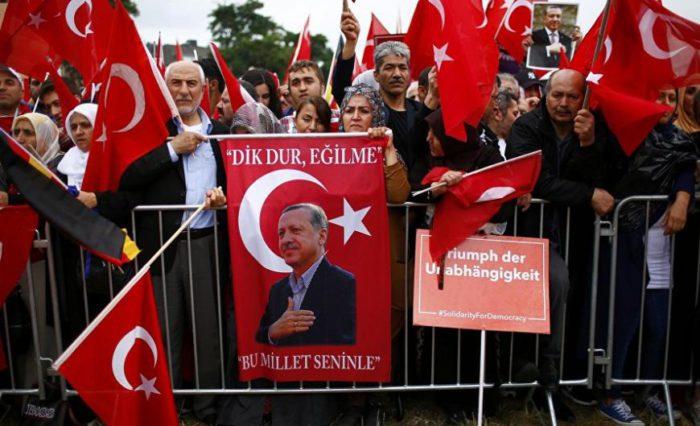 Πογκρόμ των Τούρκων στη Γερμανία – Έρχονται εξεγέρσεις μέσα στις γερμανικές πόλεις - Εικόνα1