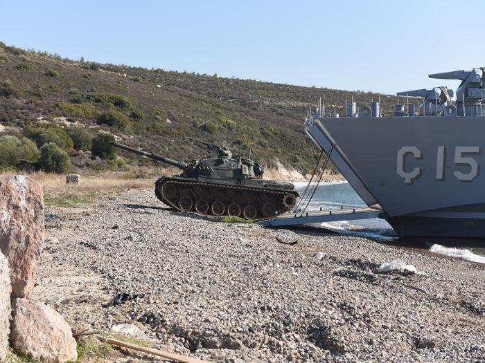 Προετοιμάζεται για αναμέτρηση με την Ελλάδα στο Αιγαίο: Ετοιμάζει μεγάλο αποβατικό στόλο για τα ελληνικά νησιά ο Ερντογάν! - Εικόνα2