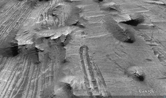 Πτώση αγνώστου αντικειμένου στον πλανήτη Άρη από τους χάρτες του Google Earth [Βίντεο] - Εικόνα2