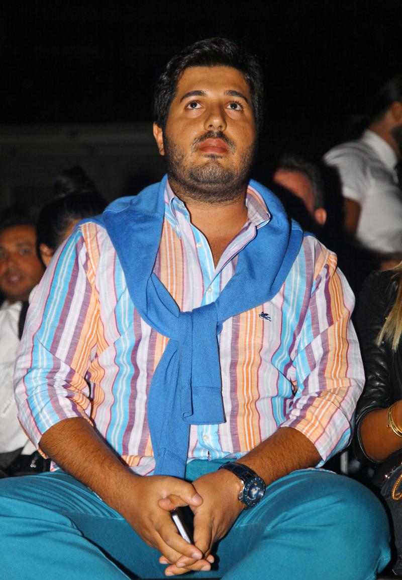 Ρεζά Ζαράμπ: Ποιος είναι ο Τουρκο-ιρανός επιχειρηματίας χρυσού που κάνει την Αγκυρα να τρέμει [εικόνες] - Εικόνα4