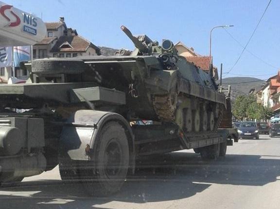 Σείεται η γη στο Πρέσεβο – Μετακινήσεις Σερβικών αρμάτων μάχης – Καλούν σε βοήθεια οι Αλβανοί - Εικόνα1