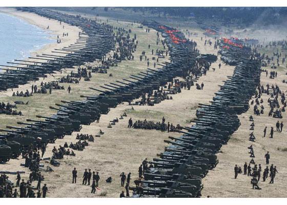 Συγκλονιστικές εικόνες: Σε θέσεις μάχης ο Στρατός της Β.Κορέας – Ο Κιμ Γιονγκ Ουν επιθεωρεί τα στρατεύματα: «Αμερικανοί είμαστε έτοιμοι»- Δείτε εικόνες και βίντεο - Εικόνα10