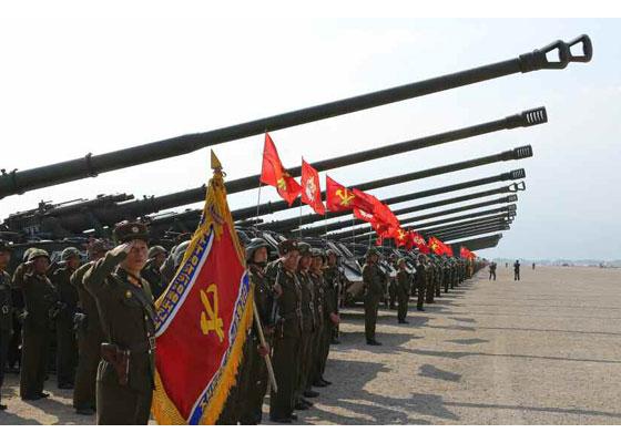 Συγκλονιστικές εικόνες: Σε θέσεις μάχης ο Στρατός της Β.Κορέας – Ο Κιμ Γιονγκ Ουν επιθεωρεί τα στρατεύματα: «Αμερικανοί είμαστε έτοιμοι»- Δείτε εικόνες και βίντεο - Εικόνα12