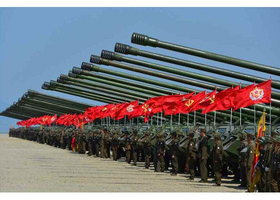 Συγκλονιστικές εικόνες: Σε θέσεις μάχης ο Στρατός της Β.Κορέας – Ο Κιμ Γιονγκ Ουν επιθεωρεί τα στρατεύματα: «Αμερικανοί είμαστε έτοιμοι»- Δείτε εικόνες και βίντεο - Εικόνα13