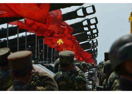 Συγκλονιστικές εικόνες: Σε θέσεις μάχης ο Στρατός της Β.Κορέας – Ο Κιμ Γιονγκ Ουν επιθεωρεί τα στρατεύματα: «Αμερικανοί είμαστε έτοιμοι»- Δείτε εικόνες και βίντεο - Εικόνα14