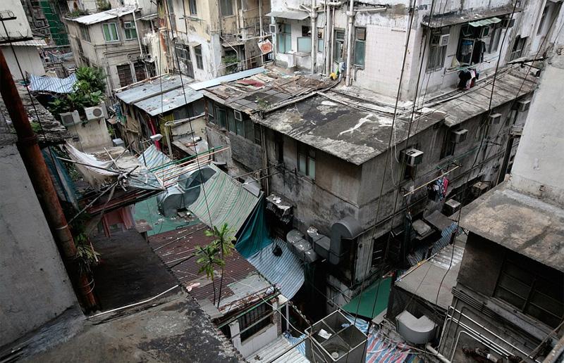 Συγκλονιστικές φωτογραφίες από τα «σπίτια-φέρετρα» στο Χονγκ Κονγκ - Εικόνα 0