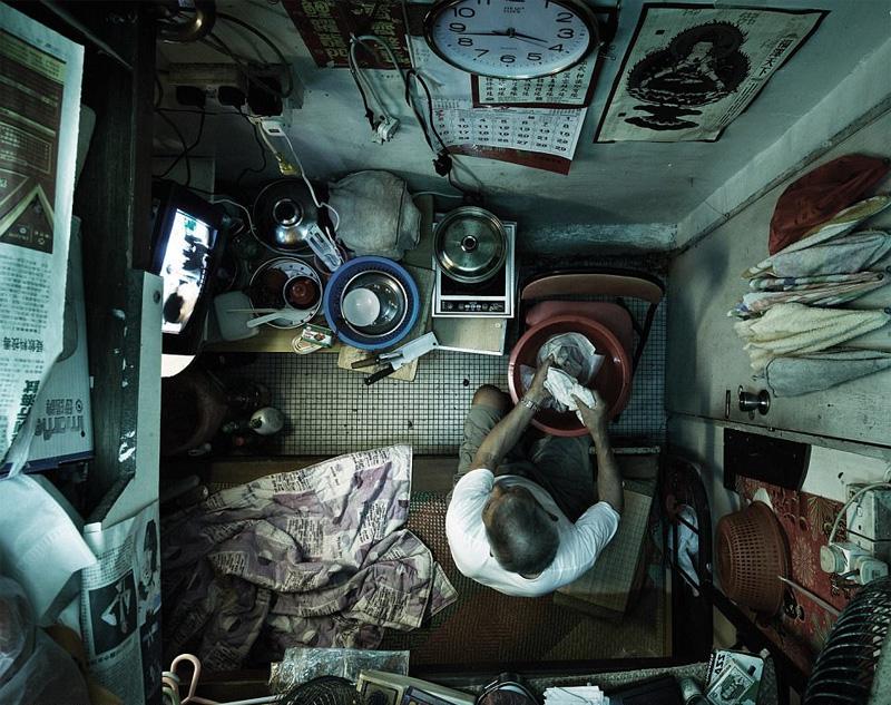 Συγκλονιστικές φωτογραφίες από τα «σπίτια-φέρετρα» στο Χονγκ Κονγκ - Εικόνα 4
