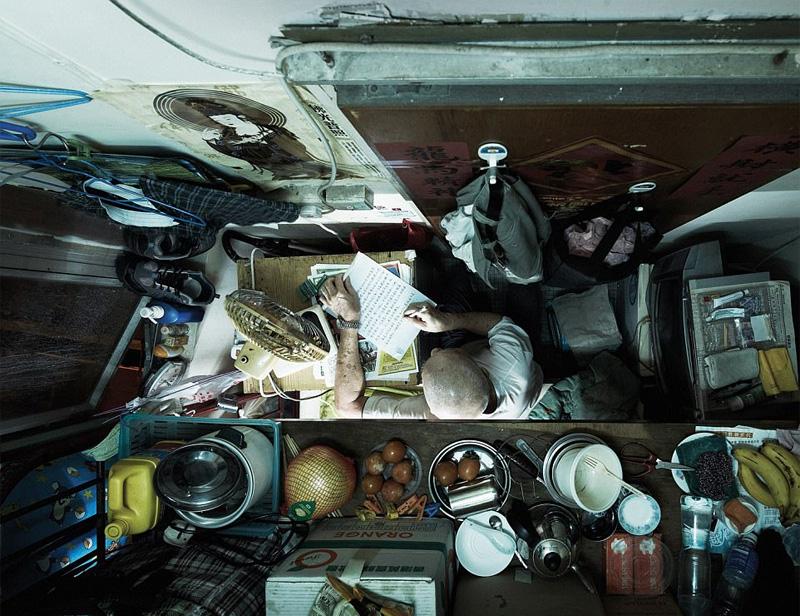 Συγκλονιστικές φωτογραφίες από τα «σπίτια-φέρετρα» στο Χονγκ Κονγκ - Εικόνα 8