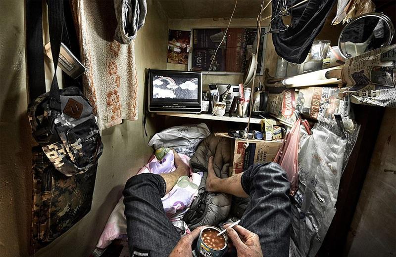 Συγκλονιστικές φωτογραφίες από τα «σπίτια-φέρετρα» στο Χονγκ Κονγκ - Εικόνα 9