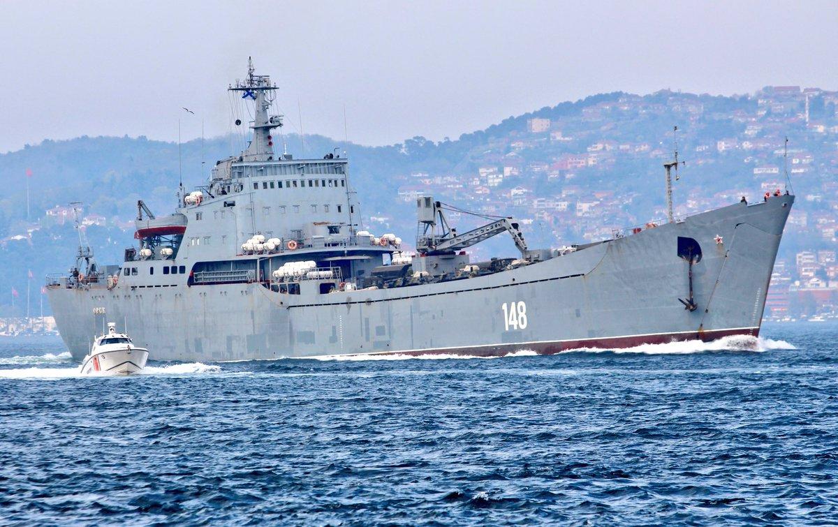 Σύγκρουση μέχρι τέλους: Τεράστιες ενισχύσεις στέλνει ο Β. Πούτιν στη Συρία – Πολεμικά σκάφη, τανκς, φορτηγά και τεθωρακισμένα – Δείτε εικόνες - Εικόνα0