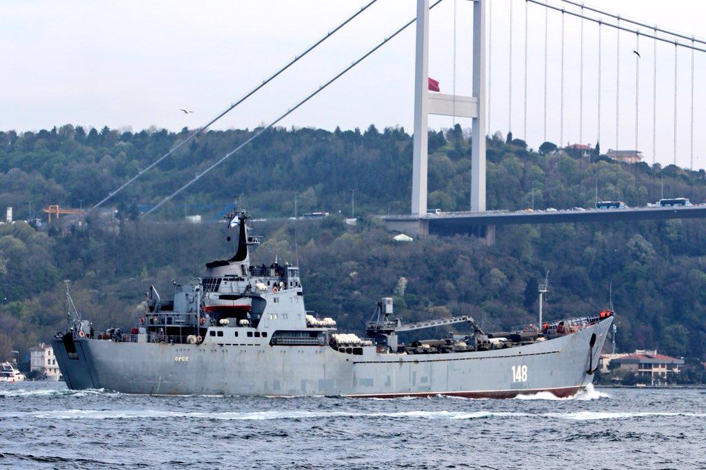 Σύγκρουση μέχρι τέλους: Τεράστιες ενισχύσεις στέλνει ο Β. Πούτιν στη Συρία – Πολεμικά σκάφη, τανκς, φορτηγά και τεθωρακισμένα – Δείτε εικόνες - Εικόνα2