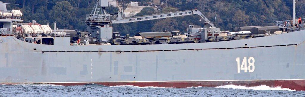 Σύγκρουση μέχρι τέλους: Τεράστιες ενισχύσεις στέλνει ο Β. Πούτιν στη Συρία – Πολεμικά σκάφη, τανκς, φορτηγά και τεθωρακισμένα – Δείτε εικόνες - Εικόνα3