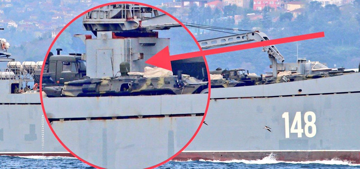 Σύγκρουση μέχρι τέλους: Τεράστιες ενισχύσεις στέλνει ο Β. Πούτιν στη Συρία – Πολεμικά σκάφη, τανκς, φορτηγά και τεθωρακισμένα – Δείτε εικόνες - Εικόνα4