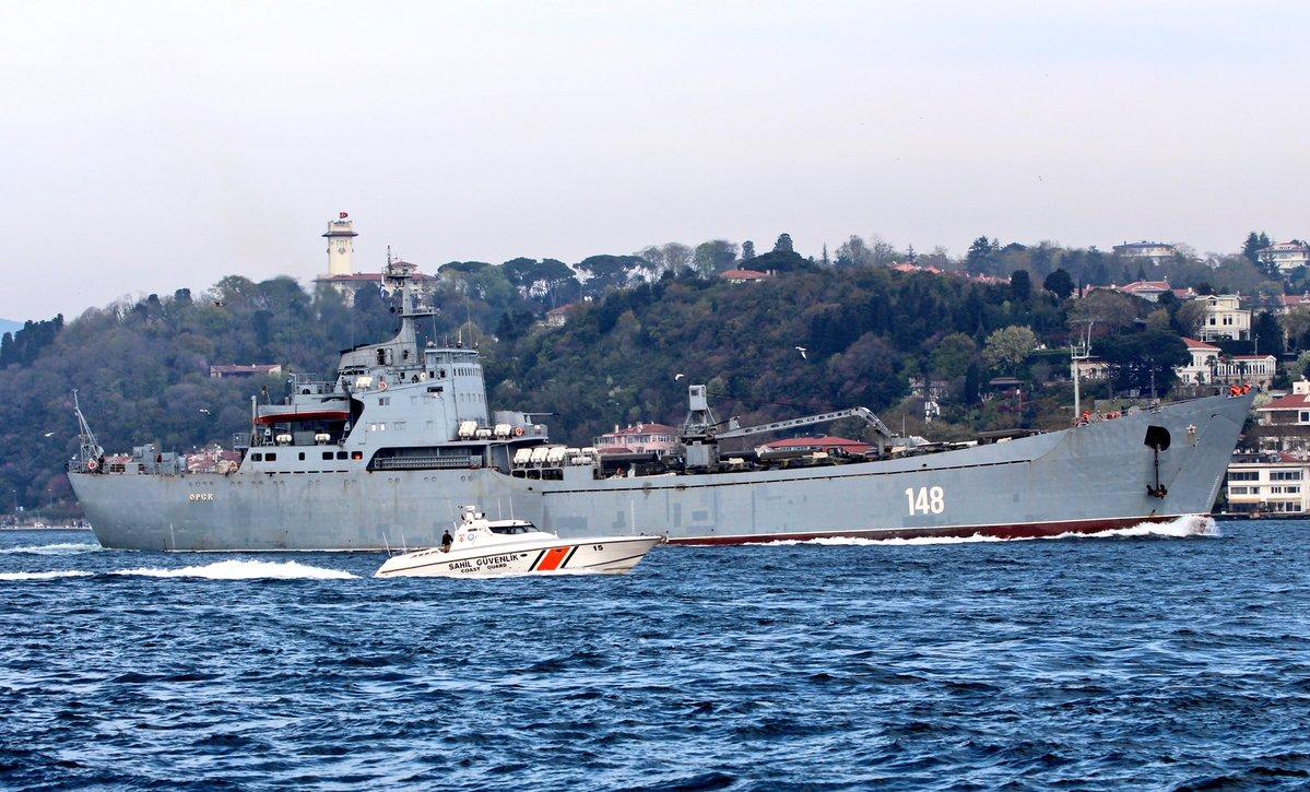 Σύγκρουση μέχρι τέλους: Τεράστιες ενισχύσεις στέλνει ο Β. Πούτιν στη Συρία – Πολεμικά σκάφη, τανκς, φορτηγά και τεθωρακισμένα – Δείτε εικόνες - Εικόνα6