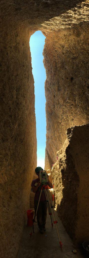 Σημαντική ανακάλυψη στον Ορχομενό: Βρέθηκε μυκηναϊκός τάφος με έναν νεκρό πολεμιστή (εικόνες) - Εικόνα4
