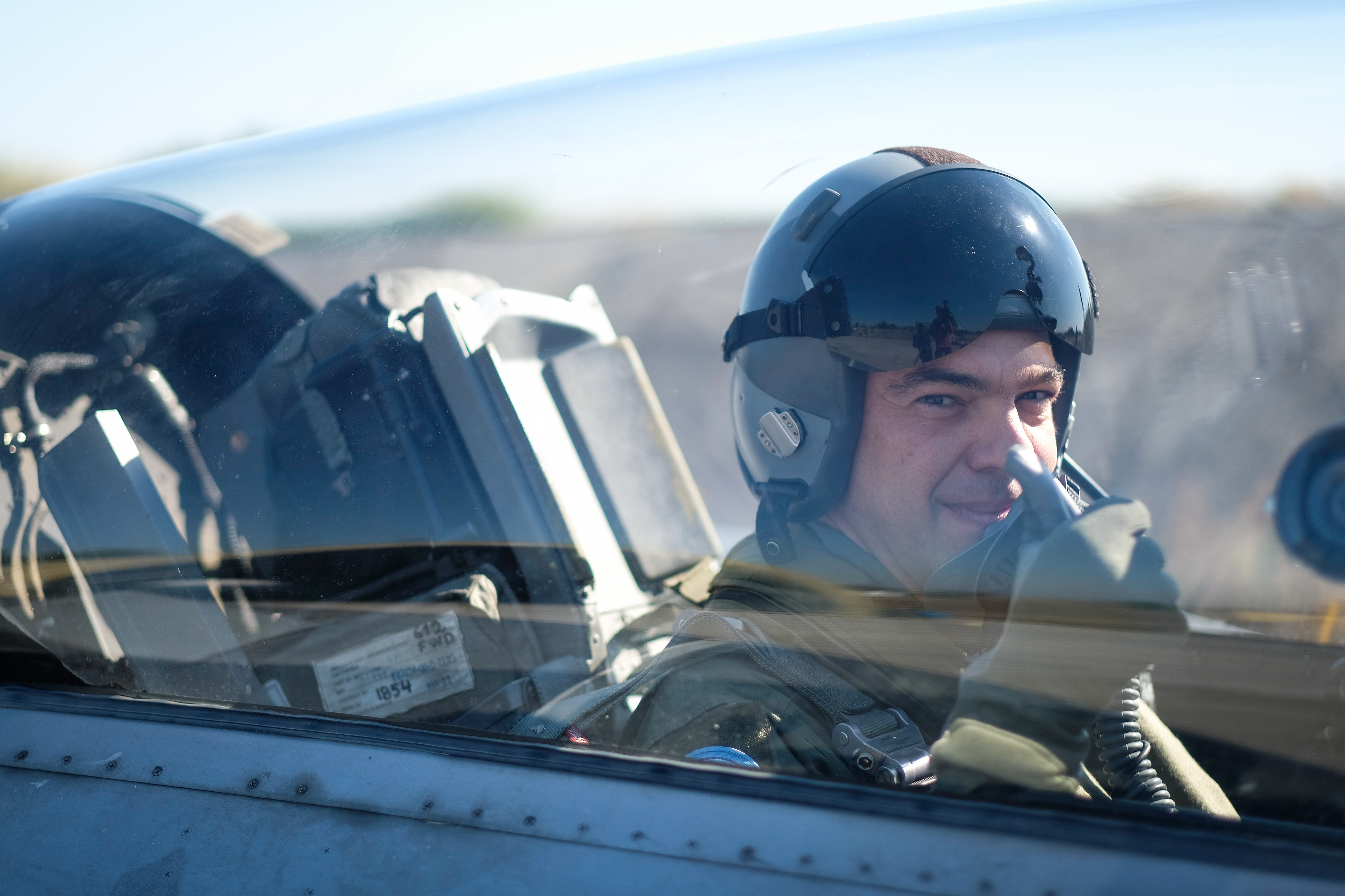 Ο συμβολισμός της πτήσης Τσίπρα με F-16 και το ταξίδι στις ΗΠΑ - Εικόνα 0