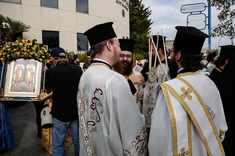 Στην Αθήνα το σκήνωμα της Αγίας Ελένης: Πλήθος κόσμου συρρέει στο Αιγάλεω - Εικόνα 0