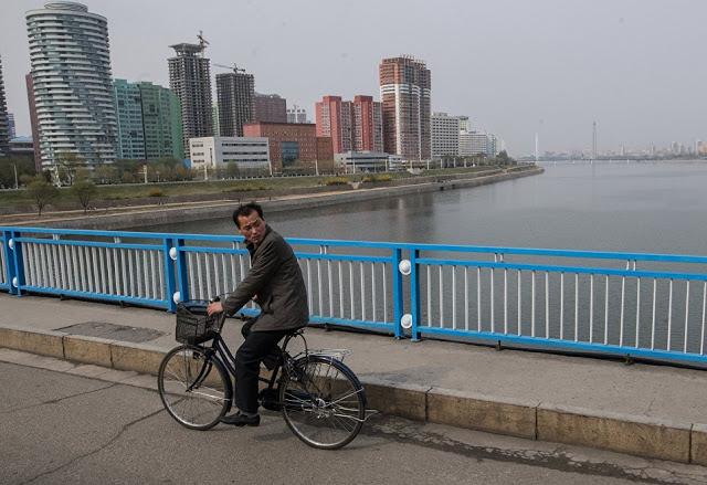Η ζωή στην  Πιονγιάνγκ: ένα αποκλειστικό φωτορεπορτάζ από το RIA Novosti - Εικόνα12