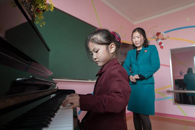 Η ζωή στην  Πιονγιάνγκ: ένα αποκλειστικό φωτορεπορτάζ από το RIA Novosti - Εικόνα9