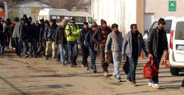 Ταυτόχρονο εσωτερικό και εξωτερικό μέτωπο – Οι Τούρκοι ετοιμάζουν γενικό ξεσηκωμό των μεταναστών στην Ελλάδα (video) - Εικόνα1