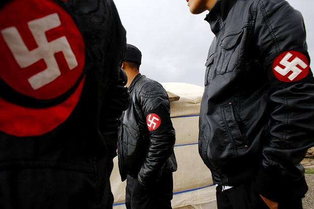 Τεράστιο σκάνδαλο στη Γερμανία: Ανακαλύφθηκε ναζιστικό στρατόπεδο παραστρατιωτικών γεμάτo όπλα και κύκλωμα στο γερμανικό Στρατό - Εικόνα0