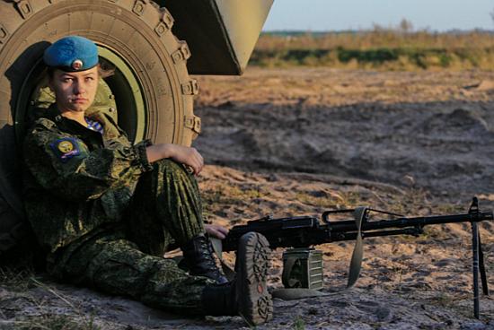 ΟΙ ΘΑΝΑΤΗΦΟΡΕΣ ΚΑΛΛΟΝΕΣ ΤΟΥ ΠΟΥΤΙΝ! Δείτε τις Ρωσίδες αλεξιπτωτίστριες-κομάντος (ΦΩΤΟ-BINTEO) - Εικόνα2