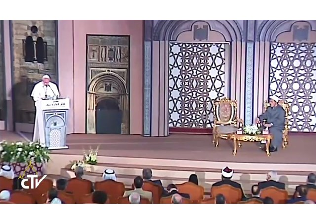 Θεολογικός Σεισμός! Εκτός ορίων ο Πάπας: Είμαστε αδελφοί Χριστιανοί και Μουσουλμάνοι! Παιδιά μου και οι Ορθόδοξοι – «Με τους Κόπτες έχουμε κοινό βάπτισμα!» - Εικόνα3