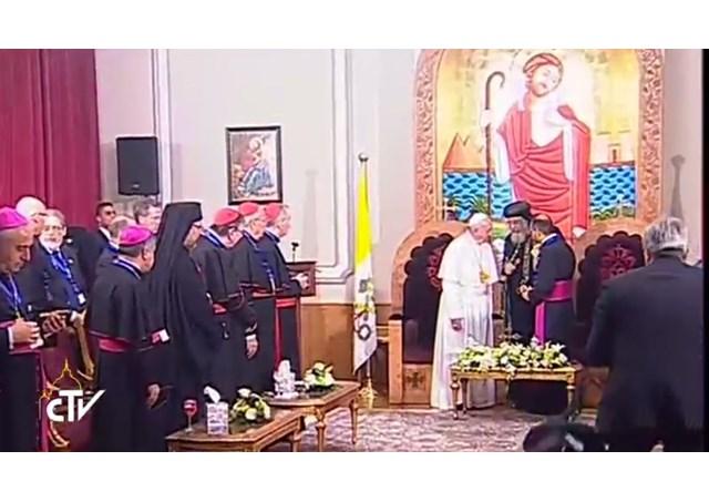 Θεολογικός Σεισμός! Εκτός ορίων ο Πάπας: Είμαστε αδελφοί Χριστιανοί και Μουσουλμάνοι! Παιδιά μου και οι Ορθόδοξοι – «Με τους Κόπτες έχουμε κοινό βάπτισμα!» - Εικόνα4