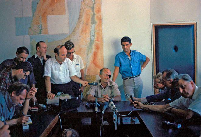 Τύμπανα πολέμου στη Μ. Ανατολή: Το Ισραήλ χαιρετίζει τη διακοπή διπλωματικών σχέσεων με το Κατάρ – Στην επέτειο του πολέμου των 6 ημερών ανατέλλει ένας νέος πόλεμος με καταστροφικές συνέπειες - Εικόνα1