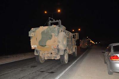 Τουρκία: Θωρακισμένα οχήματα του στρατού μεταφέρονται στα σύνορα με Συρία - Εικόνα1