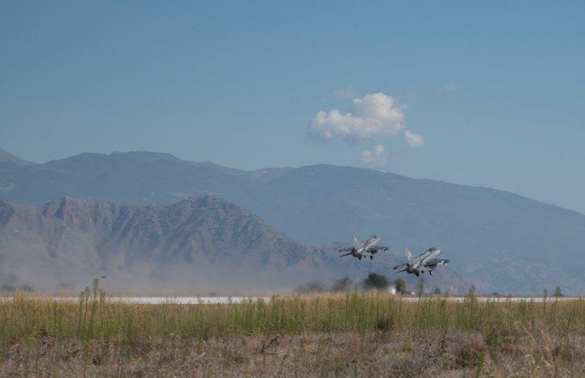 Τουρκικό κατασκοπευτικό αεροσκάφος κατέγραφε στο Αιγαίο την πτήση Τσίπρα, Α/ΓΕΕΘΑ, Α/ΓΕΑ! (εικόνες, βίντεο) - Εικόνα5