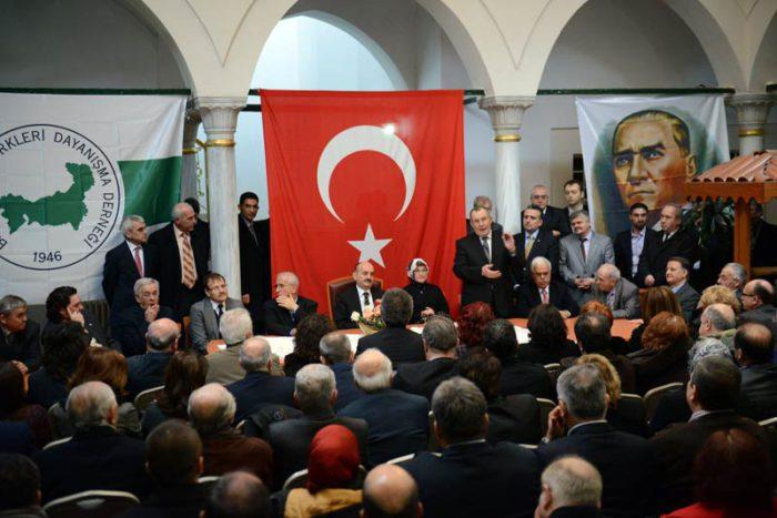 Ο Τούρκος υπουργός στέλνει «χαιρετίσματα των κατοίκων της Θράκης στον Ερντογάν που δονούν τα βουνά της Θράκης» ! - Εικόνα0