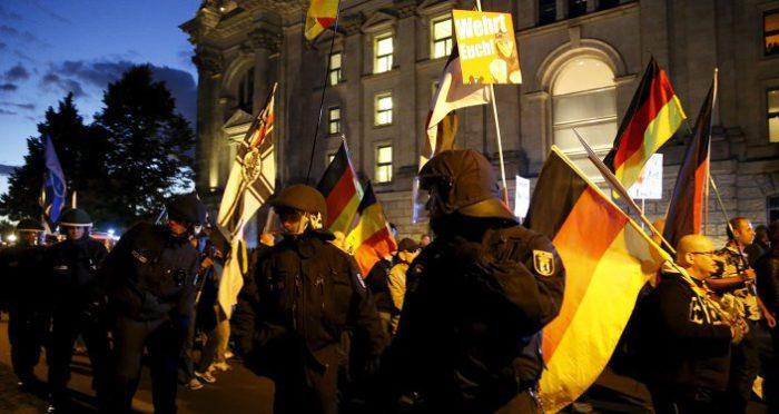 ΤΡΕΛΑ ΣΕΝΑΡΙΑ–Χιλιάδες Γερμανοί στρατιώτες προετοιμάζονται να εισέλθουν στη Γαλλία ως δύναμη της ΕΕ- Φοβούνται εμφύλιο πόλεμο- «Σιγοβράζει η Ευρώπη» - Εικόνα0