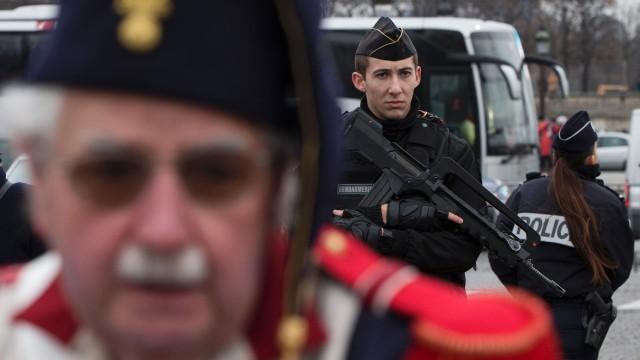 ΤΡΕΛΑ ΣΕΝΑΡΙΑ–Χιλιάδες Γερμανοί στρατιώτες προετοιμάζονται να εισέλθουν στη Γαλλία ως δύναμη της ΕΕ- Φοβούνται εμφύλιο πόλεμο- «Σιγοβράζει η Ευρώπη» - Εικόνα1