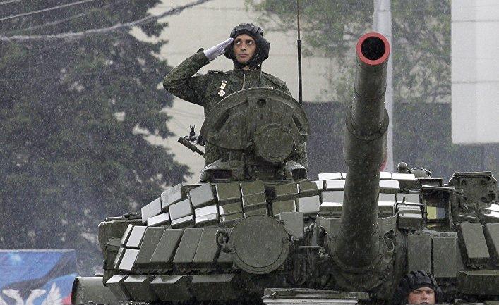 «Τρέμει η γη» στην Κόκκινη Πλατεία: Χιλιάδες στρατιώτες, οχήματα σε μια πρωτοφανή παρέλαση και μήνυμα προς πάσα δυτική κατεύθυνση (εικόνες,βίντεο) - Εικόνα10